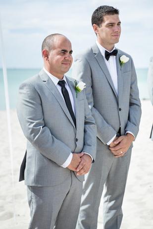 Emma_Joe_Beach-Wedding_309_010