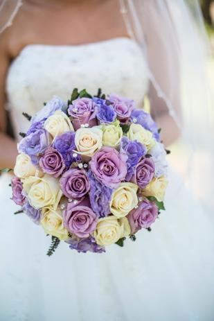 Rebecca_Ashley_Budget-Wedding_309_175