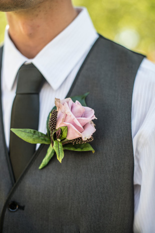 Rebecca_Ashley_Budget-Wedding_309_176