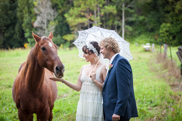 Roslyn_Adam_Vintage-Surf-Wedding_028