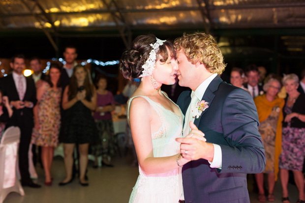 Roslyn_Adam_Vintage-Surf-Wedding_038