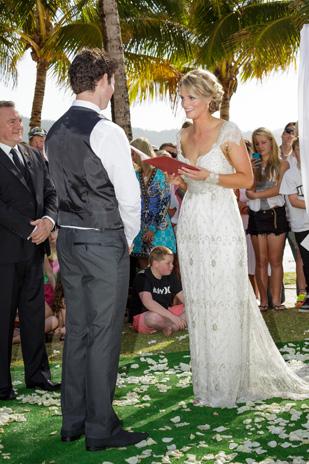 Tenae_Brett_Beach-Wedding_309_019