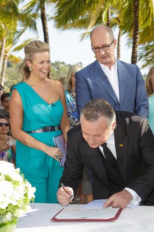 Tenae_Brett_Beach-Wedding_309_024