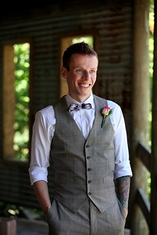 Nikki_Justin_Rustic-Country-Wedding_309_015