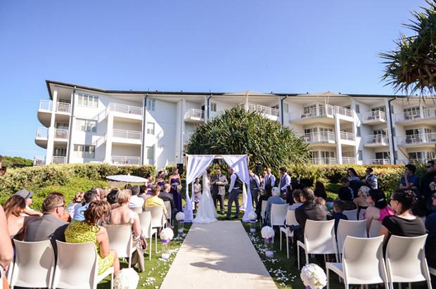 Zoe_Kimi_Beach-Wedding_008