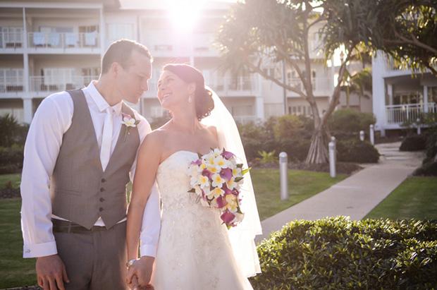 Zoe_Kimi_Beach-Wedding_014