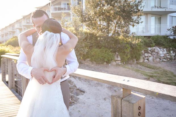Zoe_Kimi_Beach-Wedding_019