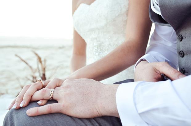 Zoe_Kimi_Beach-Wedding_025
