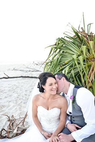 Zoe_Kimi_Beach-Wedding_309_018
