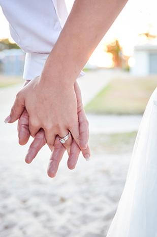 Zoe_Kimi_Beach-Wedding_309_023