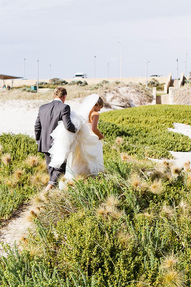 Charlotte_Ben_Beach-Wedding_025