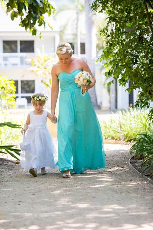 Kate_Rowan_Vintage-Beach-Wedding_309_019
