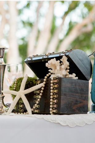 Kate_Rowan_Vintage-Beach-Wedding_309_057a