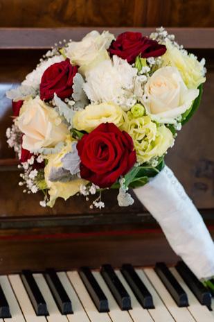 Meika_Ryan_Vintage-Wedding_309_002