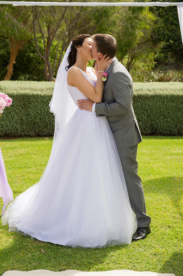 Christie_Adrian_Garden-Wedding_021