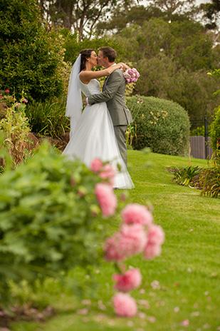 Christie_Adrian_Garden-Wedding_309_025