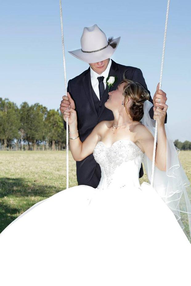 Emily_Luke_Country-Wedding_014