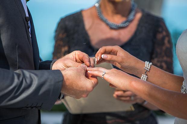 Sara_Alan_Beach-Wedding_014